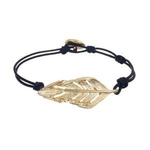 2/$20 Chloe + Isabel Sculpted Leaf Lthr Bracelet